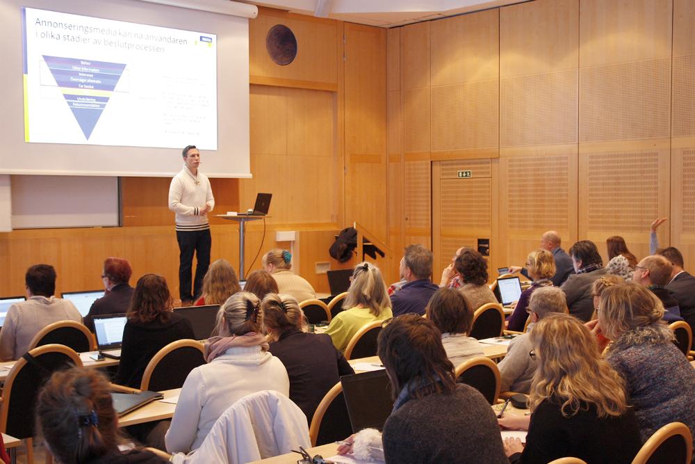 Jonas Grenfeldt, digital strateg på Panang, föreläser på Digitalakademin