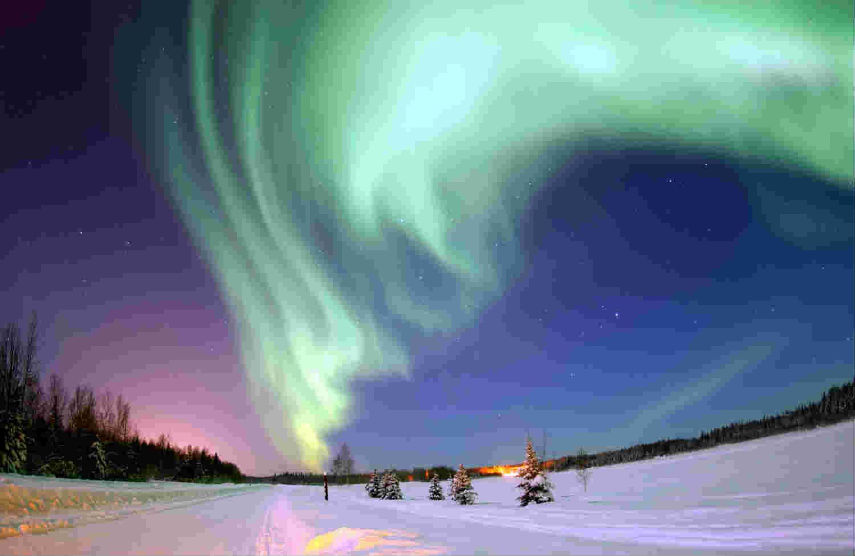 En bild av norrsken med hög komprimering.